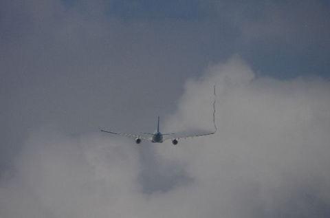 816_016_A330.jpg